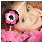 Z: Huggalugs Headband - Crocheted Bubblegum/Black Flower