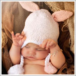 Z: Huggalugs Hat - Hugbunny Orchid Beanie