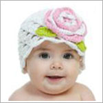 Z: White Scallop Crochet Hat w/ Crochet Flower
