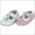 Z: L'Amour WHITE T-Strap Baby Shoes w/ Flower