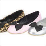 Z: L'Amour PINK Slip On Shoe with Black Bow