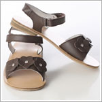 Z: L'Amour BROWN Tri Flower Sandal