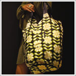 Z: Petunia Pickle Bottom Faraway Fold-Out Tote - Lively La Paz
