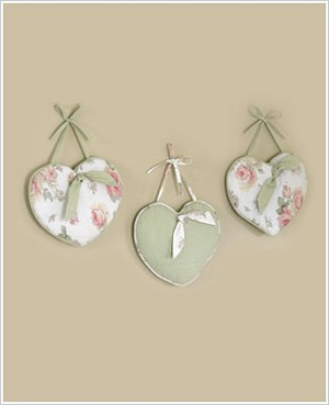 : Riley's Roses Wall Hanging Art Decor 3 Pc Set