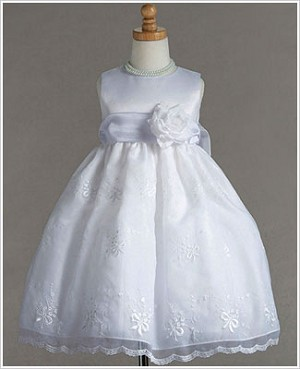 Z: Crayon Kids White Sleeveless Dress With Ribbon Embroidery & Sash