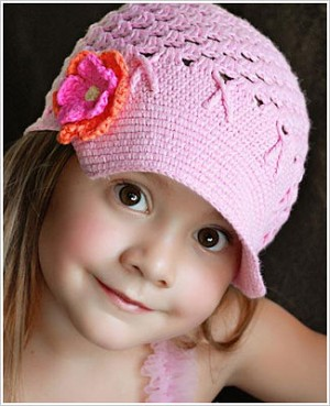 Z: Huggalugs Hat - Crocheted Light Pink Newsboy