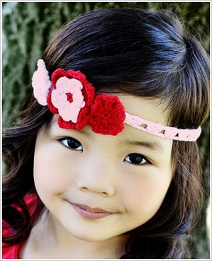 Z: Huggalugs Headband - Crocheted Pink/Red Tripple Flower