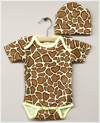Laughing Giraffe Short Sleeve Giraffe Bodysuit with Hat