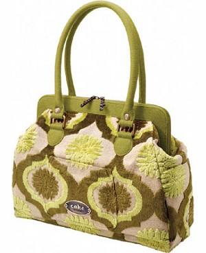 Z: Petunia Pickle Bottom CAKE Cosmopolitan Carryall - Key Lime Cream