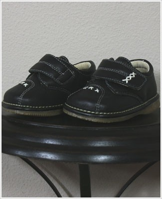 II: Rainbow Steps BLACK Boys Velcro Leather Shoe with Stitching *SQUEAKS*