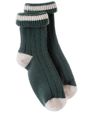 R:  Petit Boy Green Socks With Cream Accents